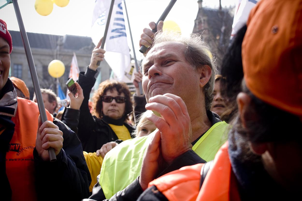 13 mrt  2009 DEN HAAG; FNV Demonstratie op Het Plein.©gwenmustamu